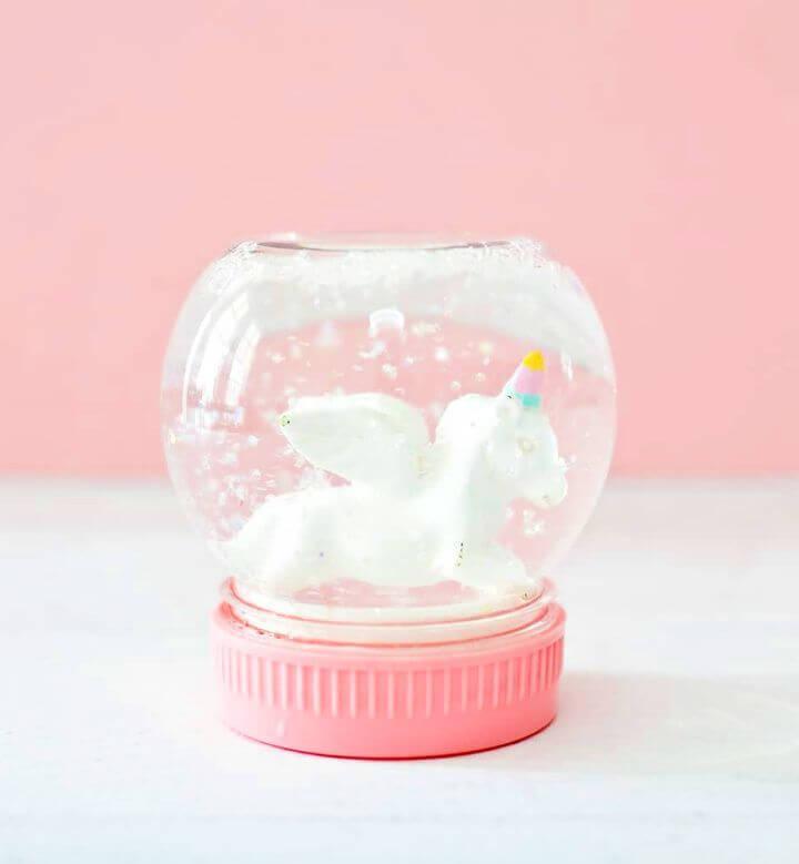 Easy DIY Magical Unicorn Snow Globe