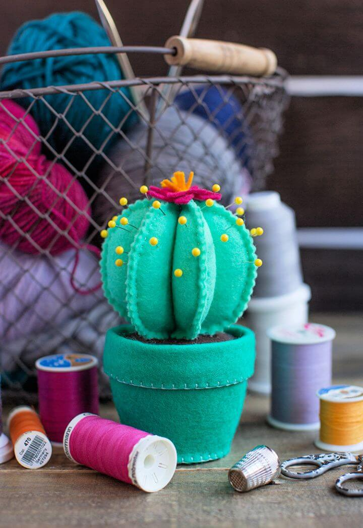 Felt Cactus Pincushion DIY Tutorial