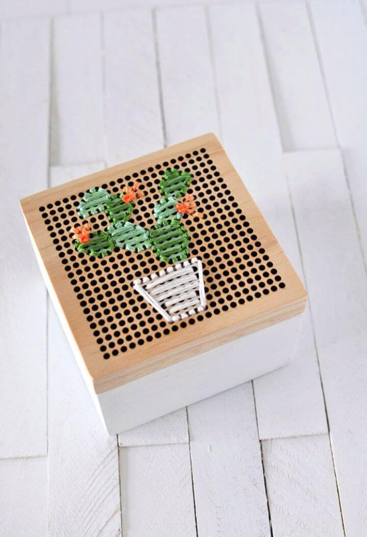 Simple Cacti Embroidered Box
