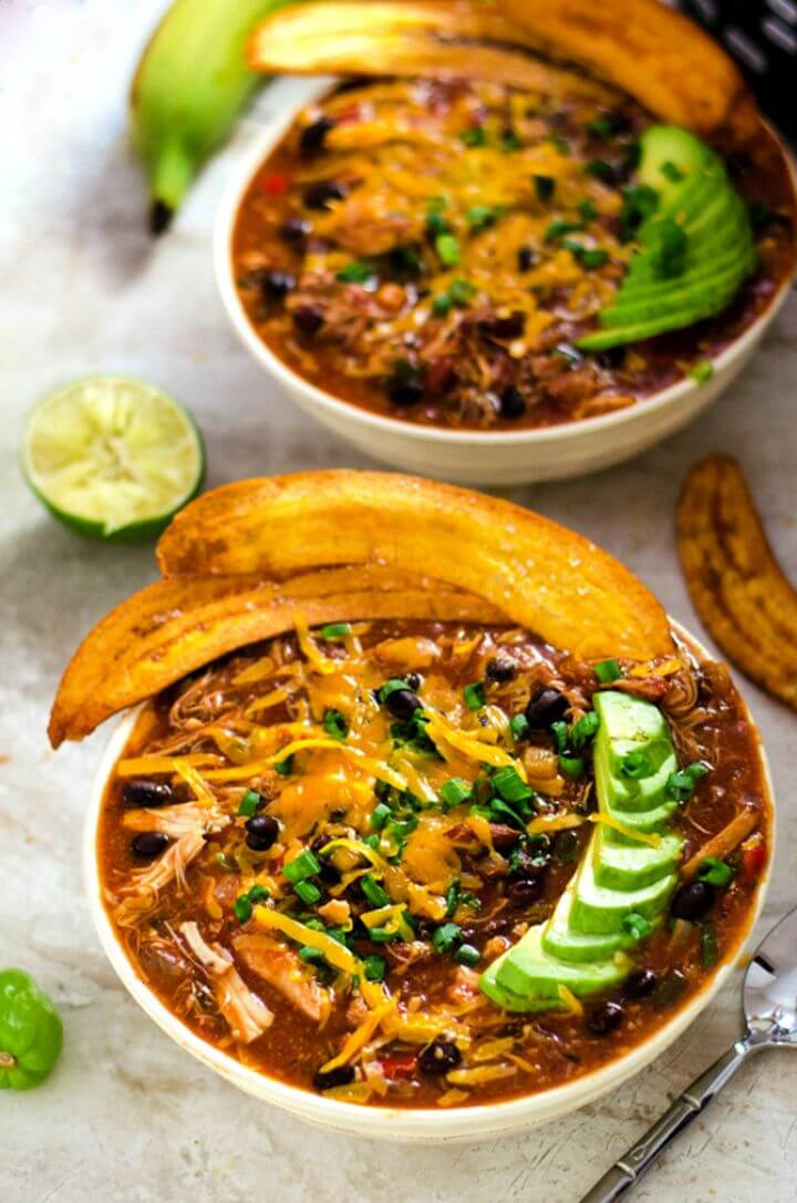 DIY Slow Cooker Jamaican Jerk Chicken Chili With Chips