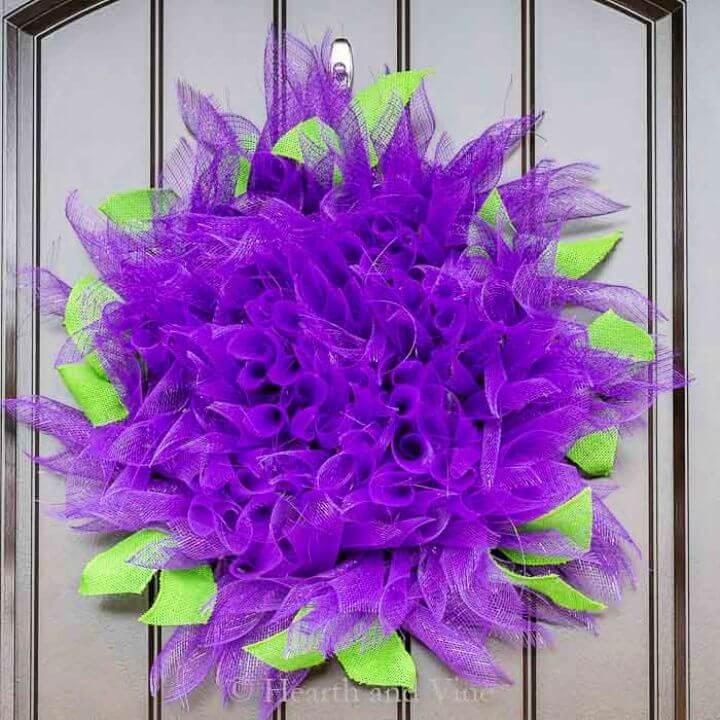 How To DIY Dahlia Deco Mesh Wreath for Vibrant Summer Decor