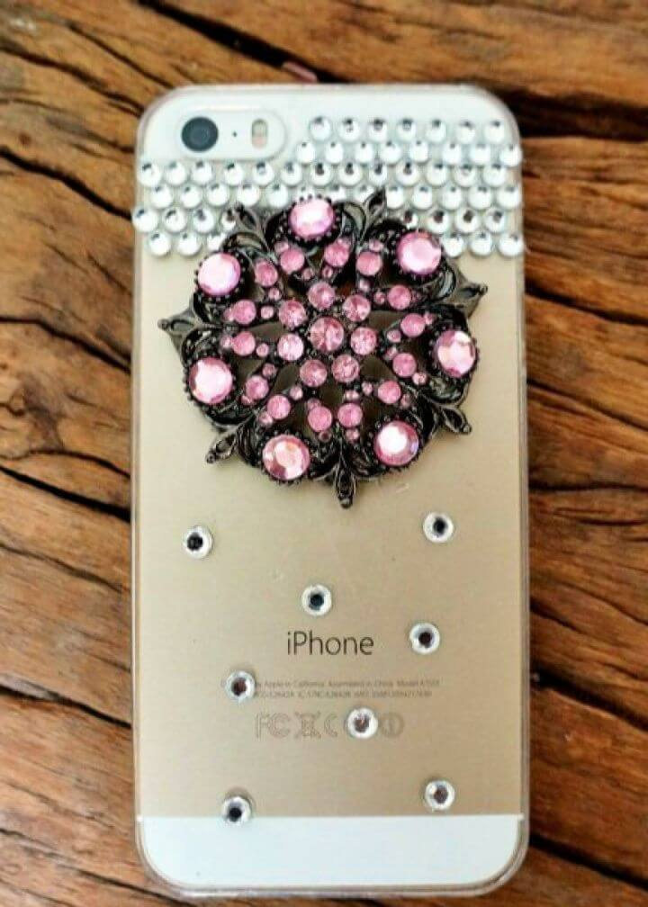 How To Repurposed Brooch DIY Cell Phone Case 1