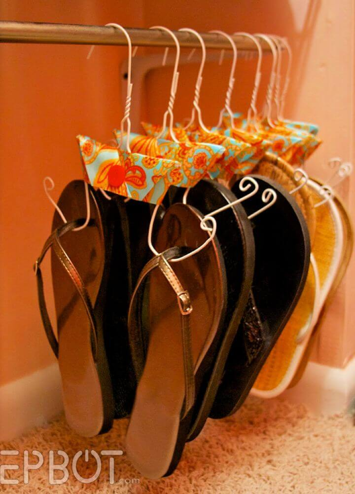 Make Your Own DIY Flip Flop Hanger