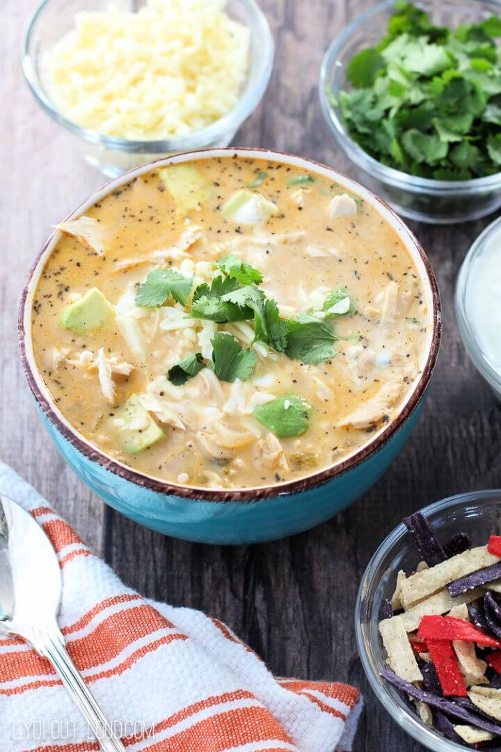 Make Your Own DIY Queso White Chicken Chili