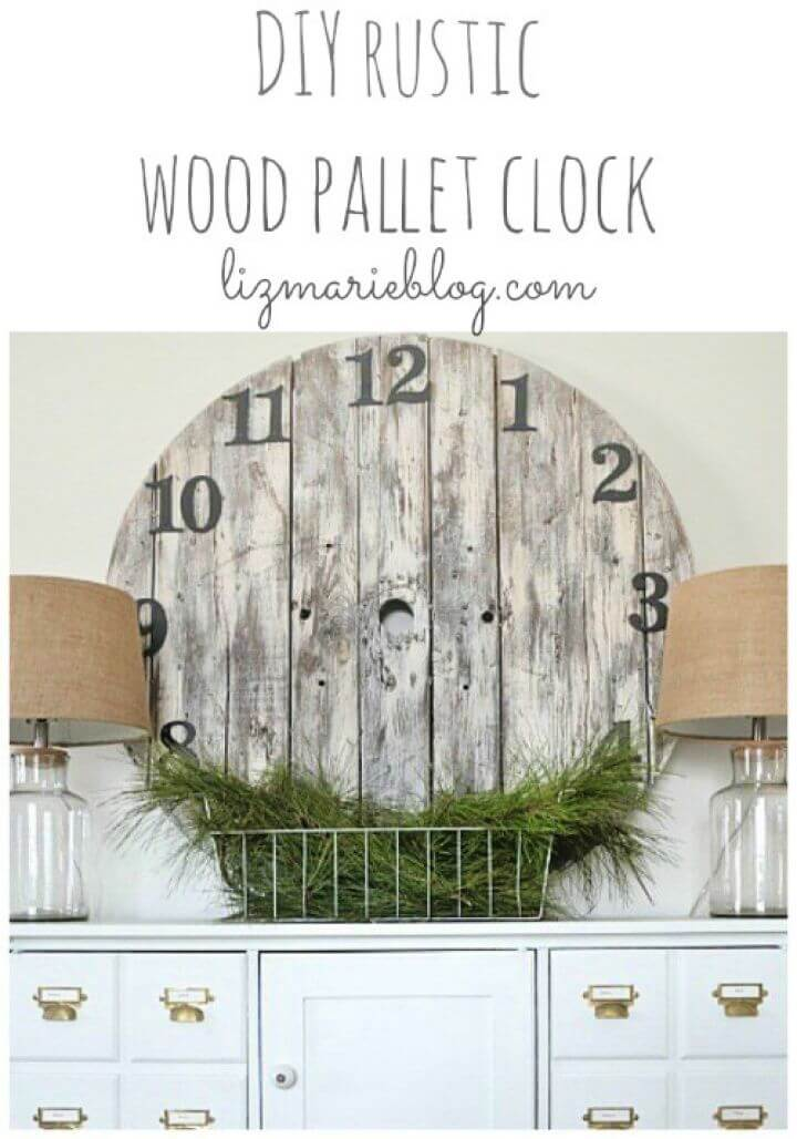 Adorable DIY Wood Pallet Clock