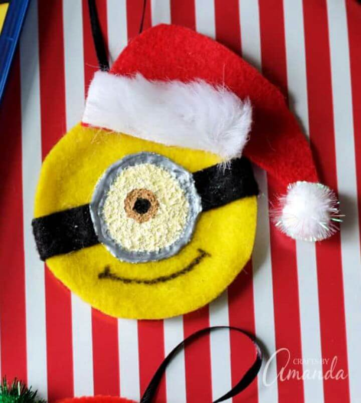 DIY Minion Ornaments For Christmas