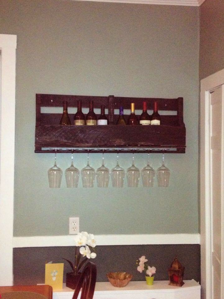 DIY To Try – Wood Pallet Wine Rack