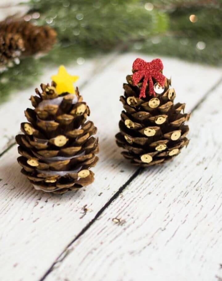 Easy DIY Mini Pinecone Christmas Trees