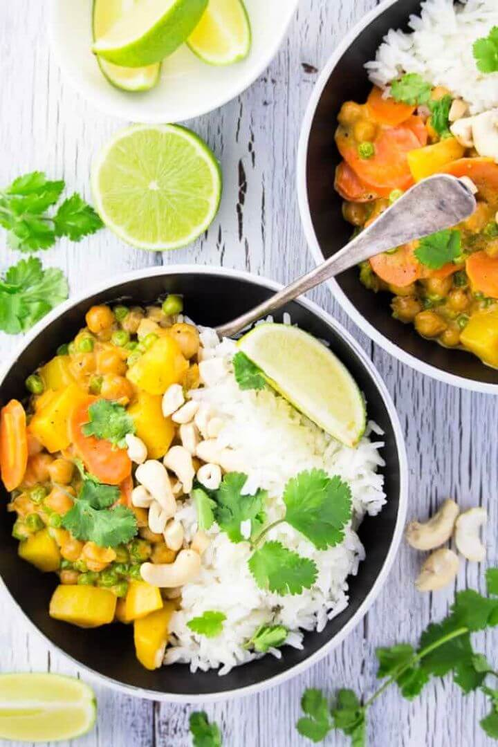 Easy DIY Vegan Chickpea Curry With Potatoes