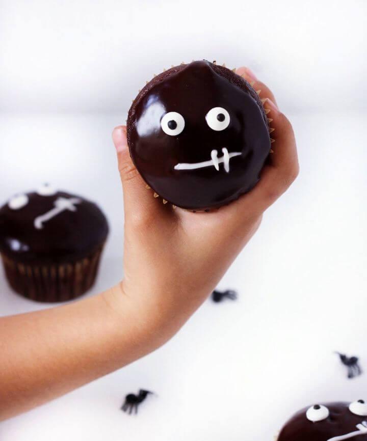 Make A Chocolate Ganache Glazed Halloween Cupcakes