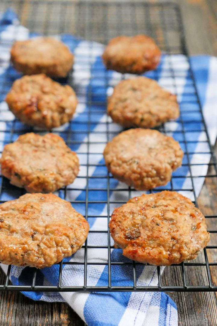 Make A DIY Baked Turkey Sausage Patties 2