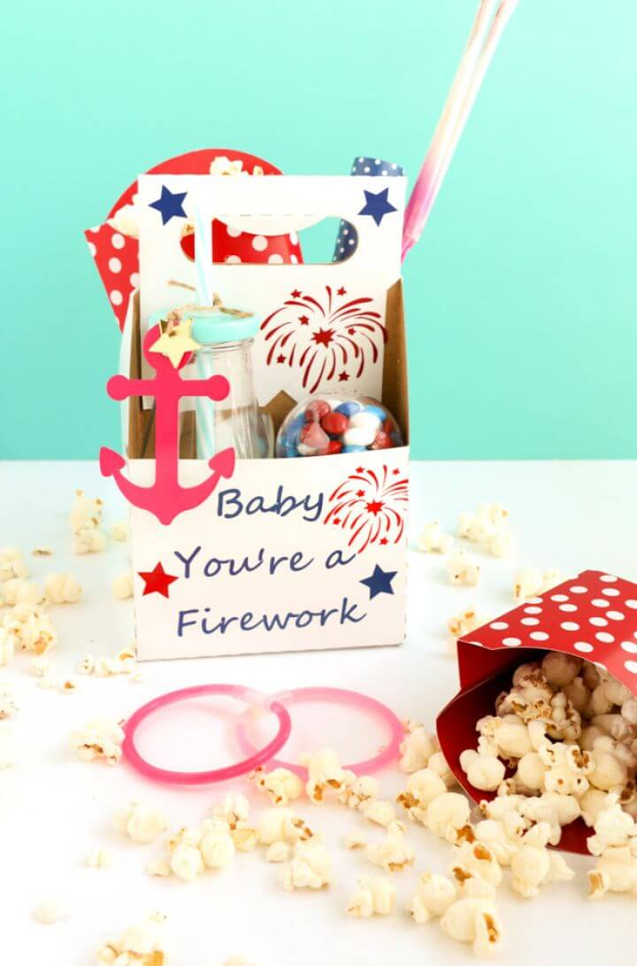 Make A Fourth Of July Treat Boxes