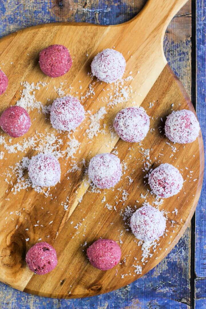 Raspberry Coconut Breakfast Balls