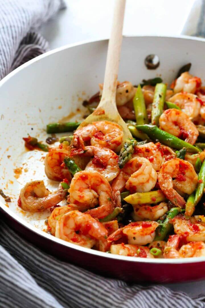 Sun Dried Tomato Pesto Shrimp Asparagus Skillet