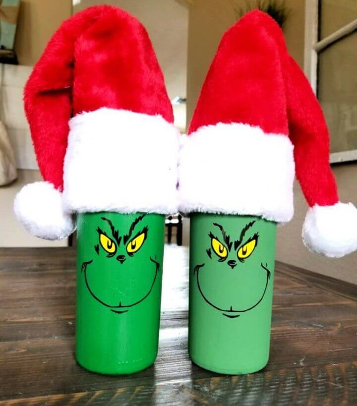 Christmas Wine Bottles Are so Fun and Easy to Make