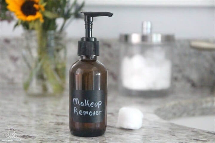 DIY Makeup Remover With Just Two Ingredients