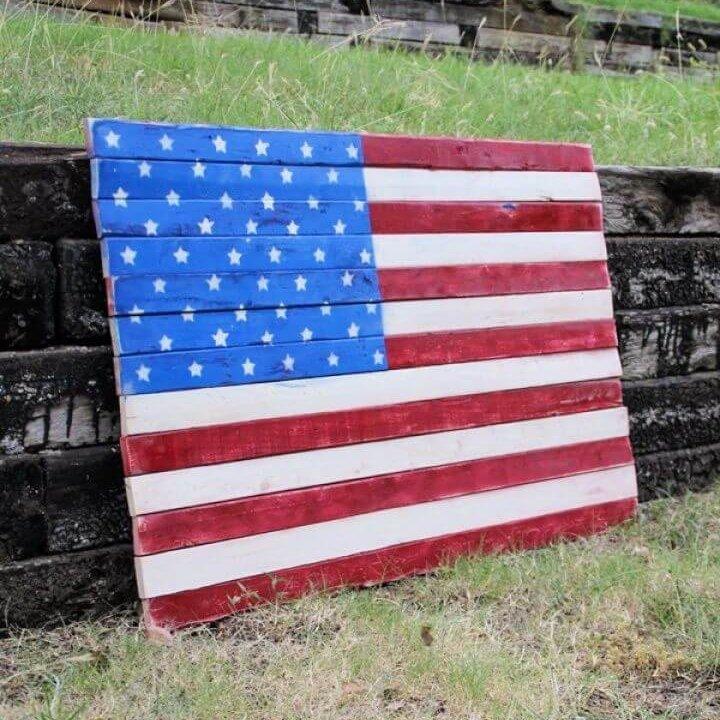 DIY Wood Pallet Art – American Flag