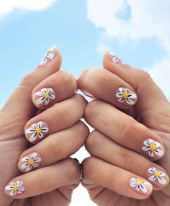 Daisy Nail Art by Jessica Washick