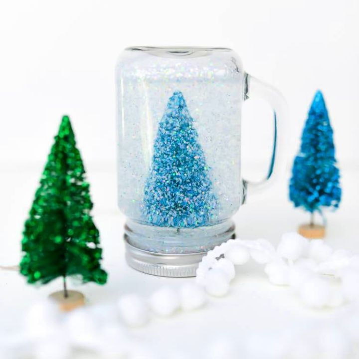 Easy DIY Glittery Mason Jar Snow Globe