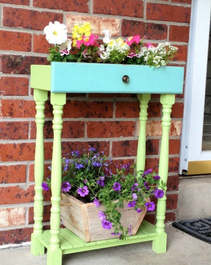 Easy DIY Old Drawers into Porch Planters