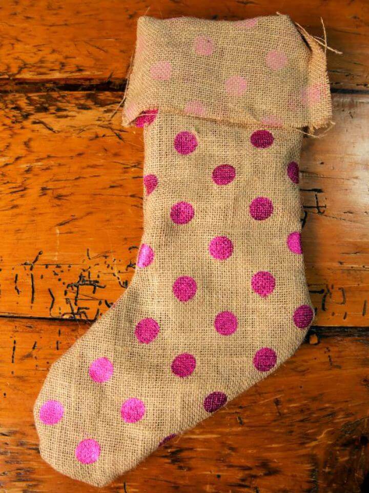 How to Make a No Sew Burlap Christmas Stocking