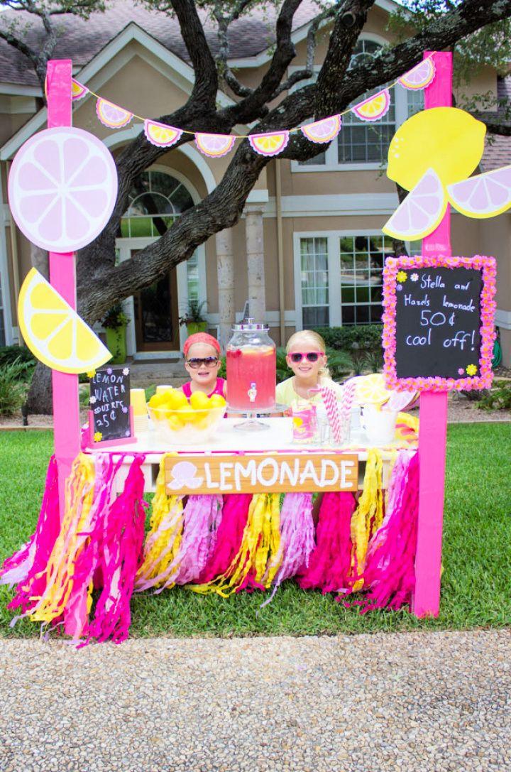 Make A DIY Coolest Lemonade Stand