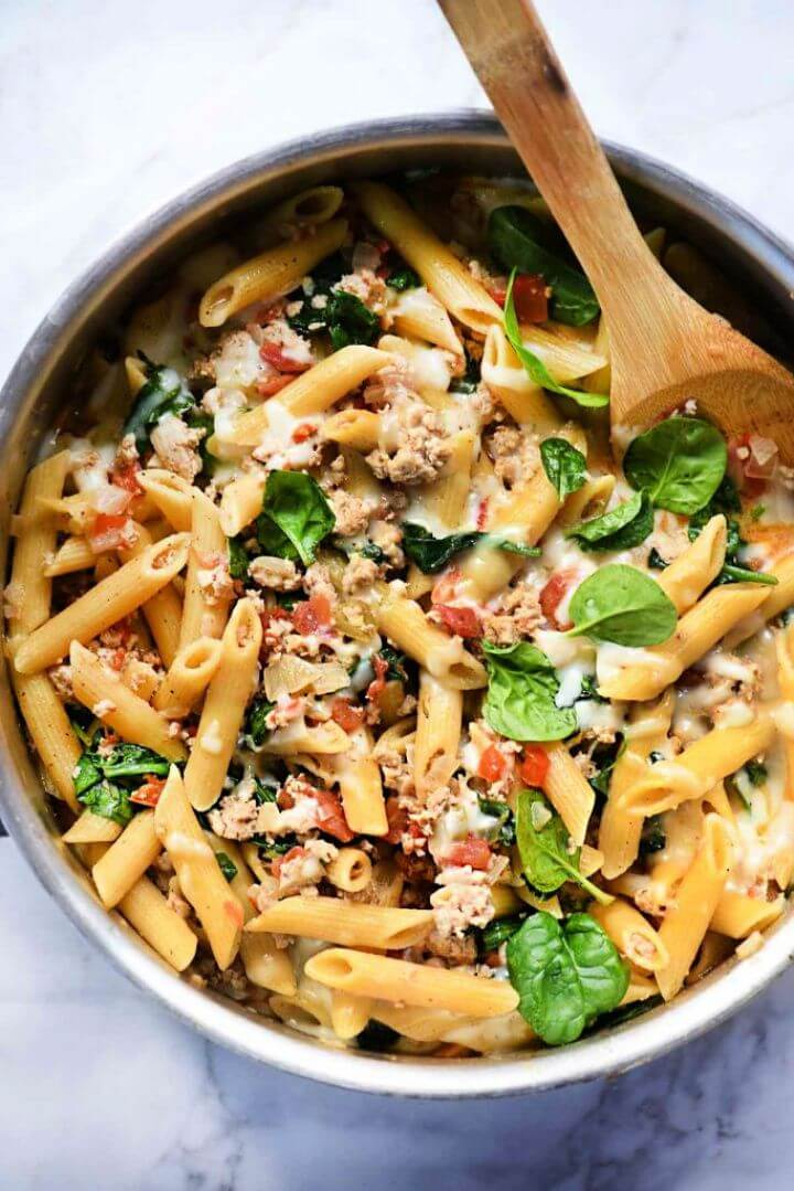 One Pot Penne Pasta With Turkey And Spinach