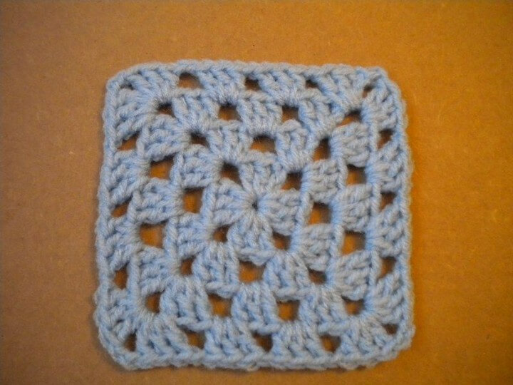 How to Crochet a Granny Square 3 Steps