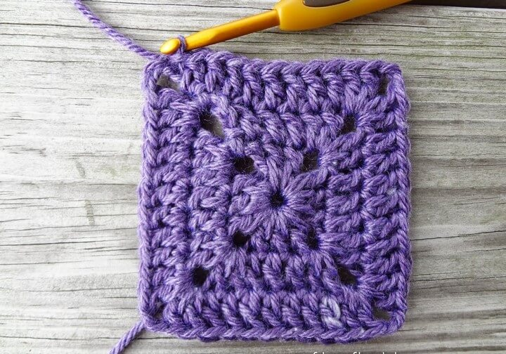 How to Crochet a Solid Granny Square