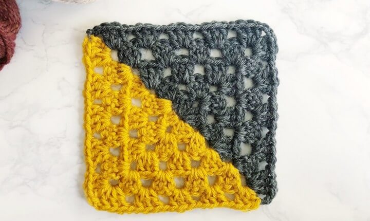 Two Colors Crochet Granny Square Pattern