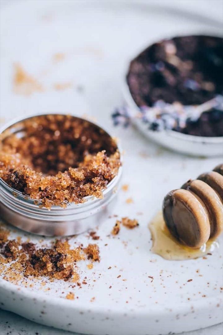 DIY Lip Scrub With Honey For Glowing Lip