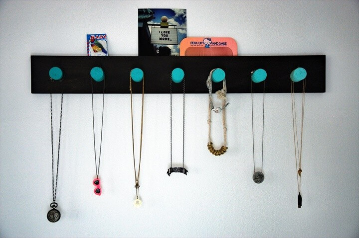 DIY Ombre Necklace Rack