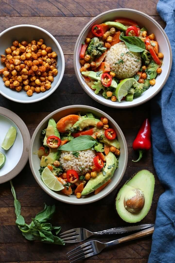 30 Minute Thai Green Curry with Avocado