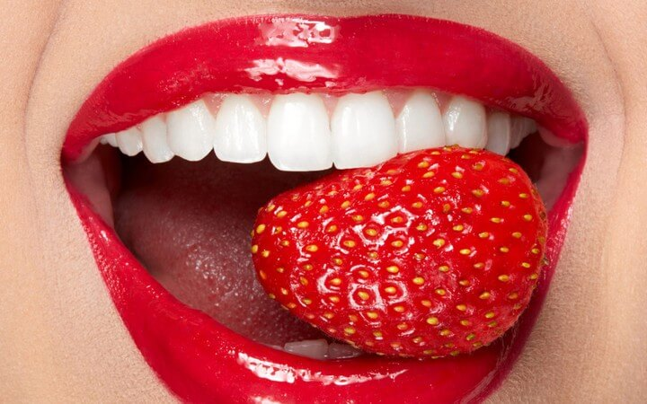 DIY Teeth Whitening with Strawberries