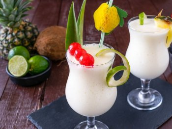 Frozen Piña Colada Cocktail Easy Recipe, diytomake.com