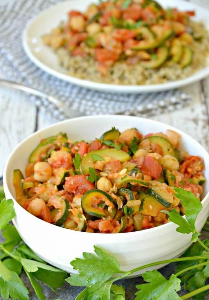 Stewed Zucchini with Tomatoes and Chickpeas