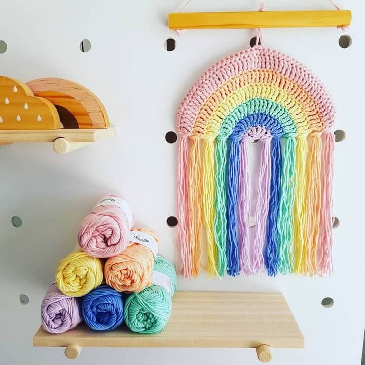 14 Crochet Wall Hanging Patterns To Try Today Diy To Make