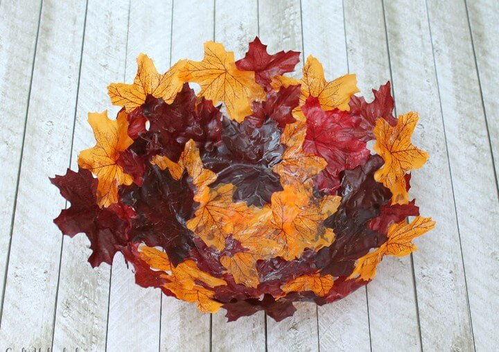 Decorative Leaf Bowl For Fall DIY, diy home decor projects, diy home decor crafts, diy home decor pinterest, modern diy home decor, diy home decor ideas living room, diy home decor online, diy hacks home decor, diy ideas for the home, Easy Paper Crafts, Easy Diy Crafts, Diy Paper, Fun Crafts, Decorative Paper Crafts, Amazing Crafts, Craft Projects For Adults, Crafts For Teens To Make, Art Projects, Beauty & Health, Crafts,Decor, DIY Fashion, DIY Ideas And Crafts For Women, DIY Project Ideas For Men Gifts, Ideas By Project Type Kids, Lighting, Mason Jar Ideas, Project Ideas Sewing, Uncategorized, Upcycled And Repurposed Crafts, diy crafts tutorials, diy crafts for home decor, diy crafts youtube, diy crafts to sell, diy crafts with paper, diy crafts for girls, easy diy crafts, diy crafts for kids, diy craft ideas for home decor, craft ideas for adults, craft ideas with paper, craft ideas to sell, craft ideas for the home, craft ideas for children, diy crafts with paper, craft ideas for kids, diy craft, diy craft christmas, diy craft table, halloween diy craft, diy craft for adults, diytomake.com