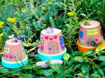 Easy Painted Fairy Houses, diy crafts with paper, diy crafts tutorials, diy crafts for girls, easy diy crafts, diy crafts youtube, diy crafts for kids, diy crafts for home decor, diy crafts to sell, diy projects for home, easy diy projects for home, diy projects for men, diy projects for bedroom, fun diy projects for adults, diy projects for kids, diy projects youtube, diy projects electronics, diytomake.com