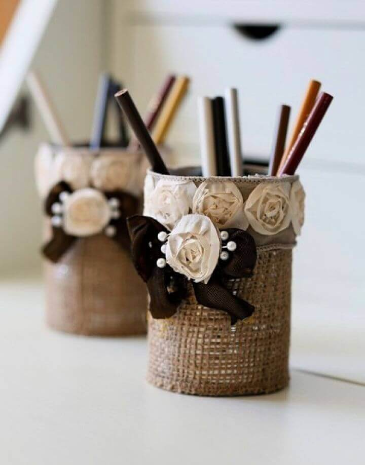 Easy to Make A DIY Burlap Pencil Holder