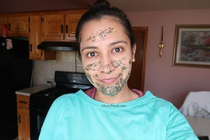 DIY Green Tea Honey Face Mask For Acne