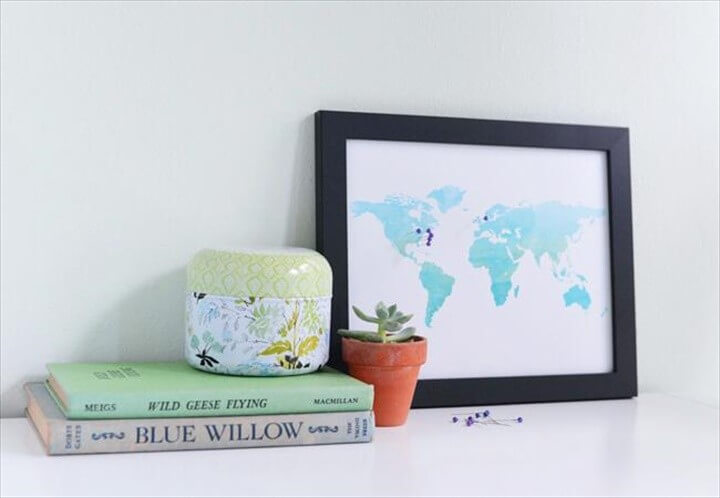 DIY Pinboard Travel Map for Your Anniversary