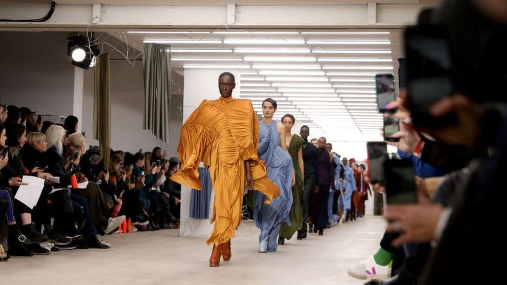 How Last Fashion Updates Should Influence Your Style