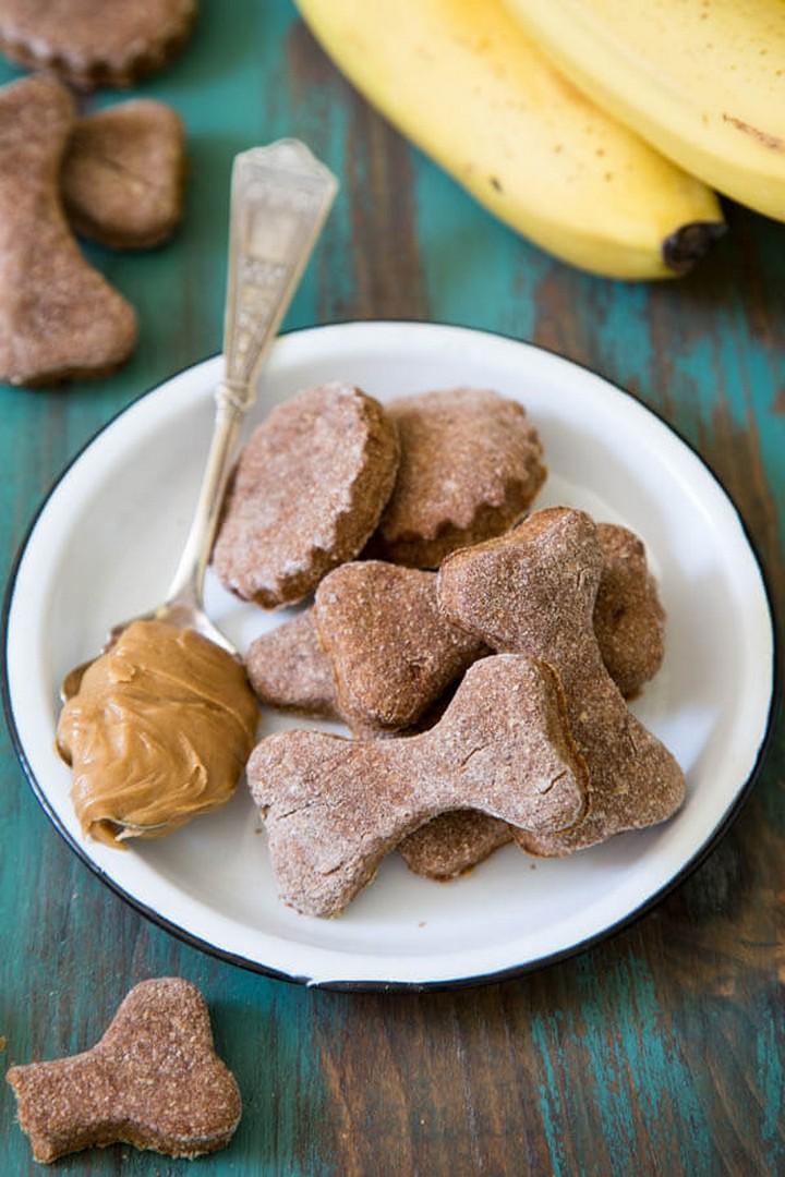 Peanut Butter Banana Dog Treats 1