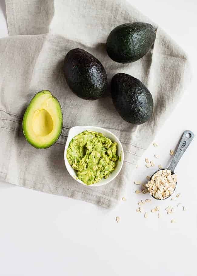 4 DIY Avocado Beauty Recipes