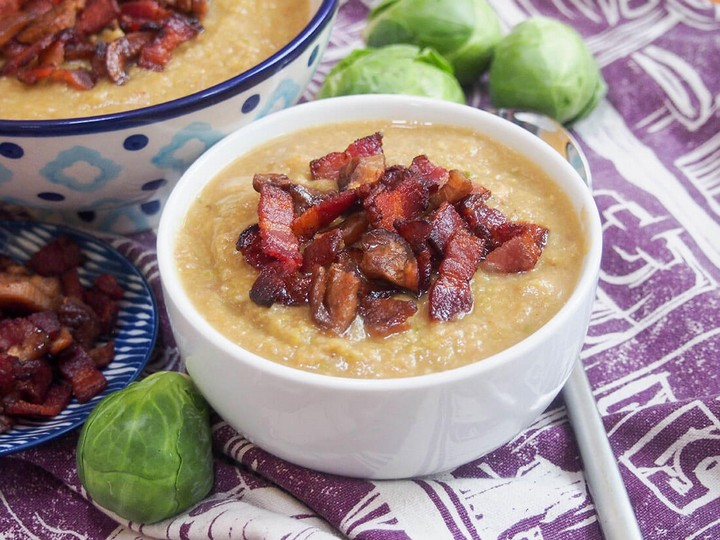 Brussel sprout soup with crispy bacon and chestnut