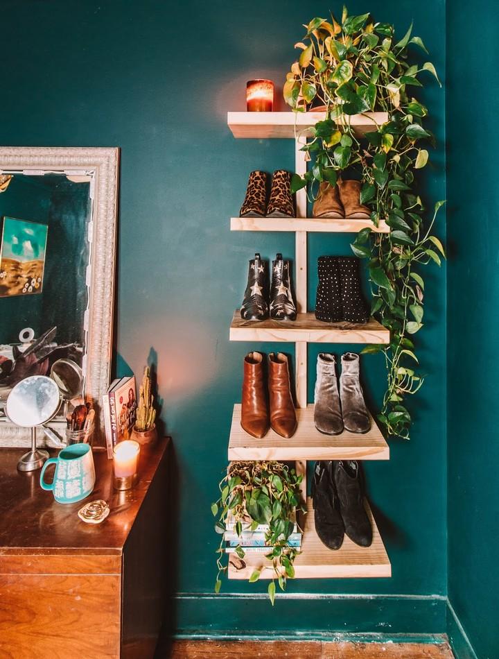 Chic Wall mounted Wooden Shoe Shelf