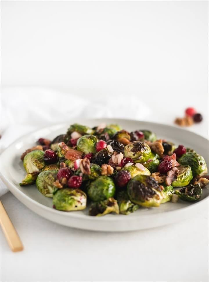 Christmas Roasted Brussels Sprouts with Bacon and Cranberries 1