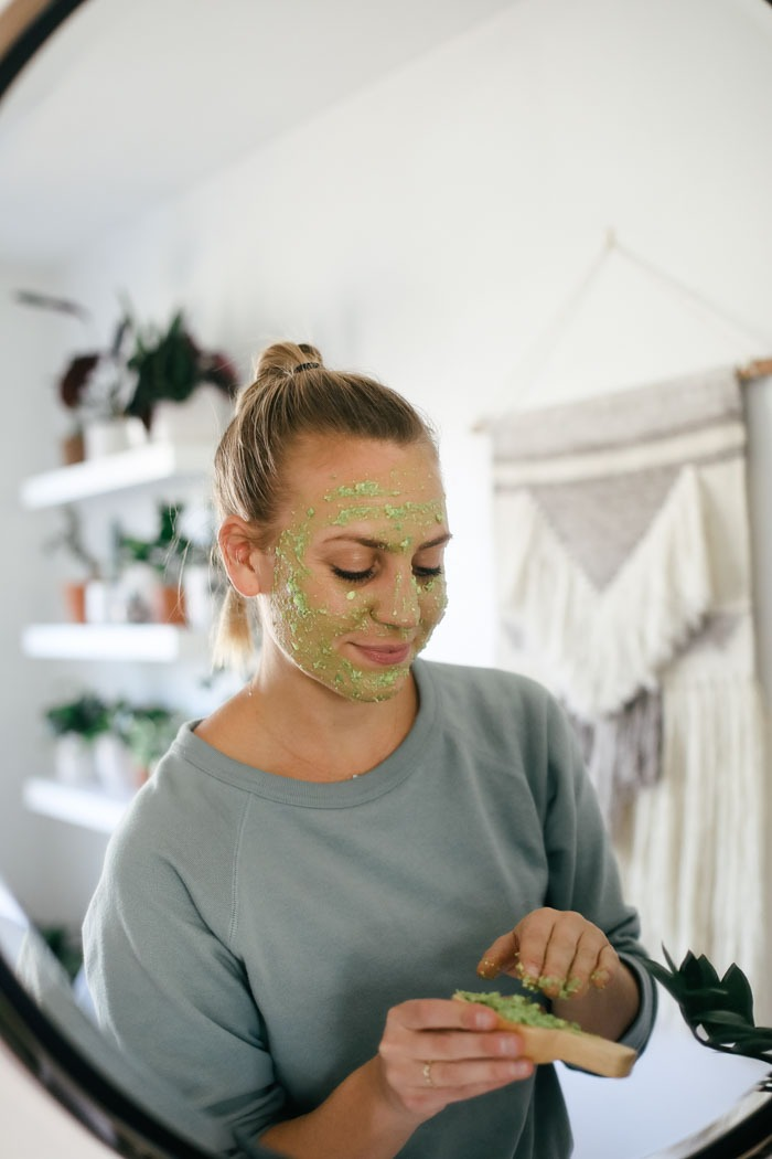 DIY Amazing Oatmeal Avocado Face Mask