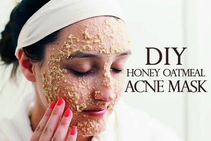 DIY Honey Oatmeal Acne Mask 1